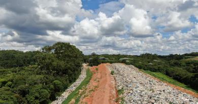 """Aterro Sanitário de Ibiúna vem se transformando em """"lixão"""" a céu aberto"""