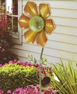 Solar Sunflower is hand-crafted and assembled by Home Craft Expressions, the sunflower solar design is sure to be an outstanding centerpiece in your patio or garden.