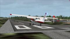 Piste 06 de l'aérodrome de Neuville