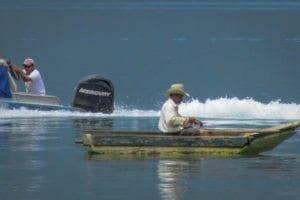 atitlan-fishermen-2048