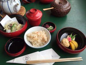 ご飯と天ぷら.JPG