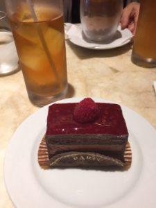 フランボワーズ チョコレートケーキ