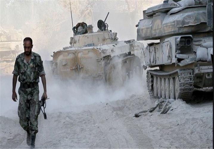 بعد معارك عنيفة.. الجيش السوري على بعد 25 كم من مطار الطبقة