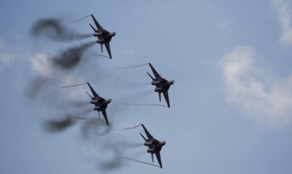 غارات سورية وروسية على مواقع ومنشآت نفطية لـ داعش في الرقة