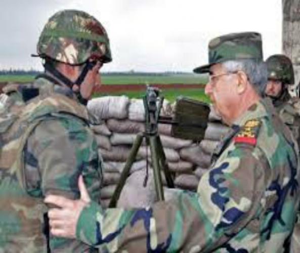 بتوجيه من الرئيس الأسد.. رئيس هيئة الأركان يتفقد قوات الجيش بالشيخ مسكين