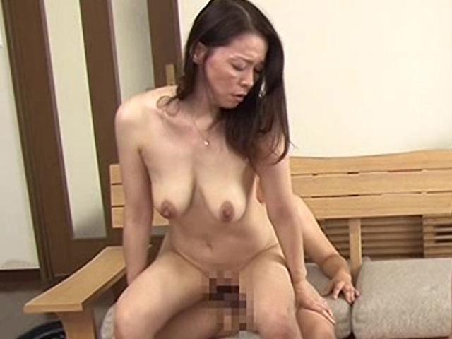 紅月ひかり(若松かをり) 垂れ乳のスレンダー美熟女