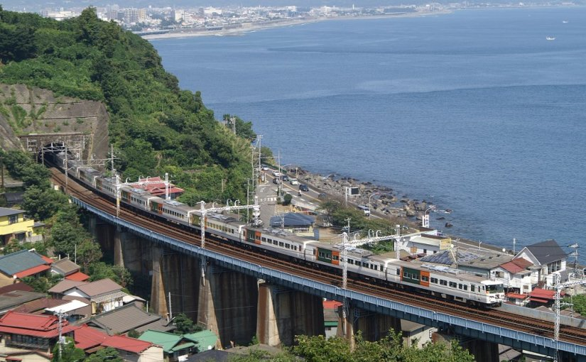 The limited express Odoriko and Saphir Odoriko train ride guide. The express trains which run between Tokyo, Yokohama, Izu and Atami