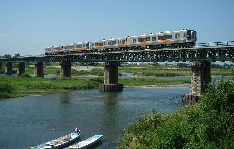 JR direct train to Ise from Nagoya. Rapid train Mie