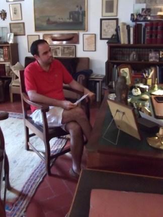 Durante la entrevista, en su despacho particular