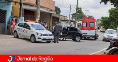 Carros batem no Jardim Novo Horizonte