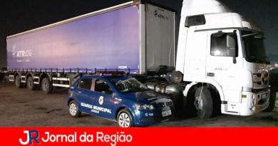 Guarda localiza duas carretas roubadas