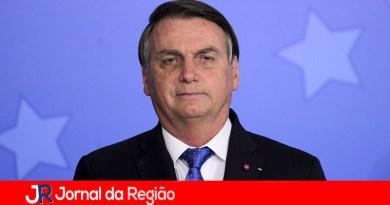 Bolsonaro anuncia liberação da Vacina AstraZeneca (Oxford)