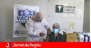 Funcionários da Saúde recebem a vacina em Campo Limpo Paulista