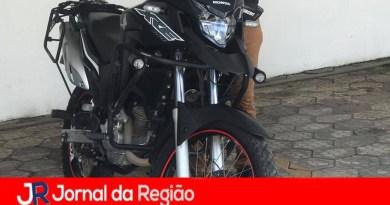 Moto roubada na Edgard Zamboto