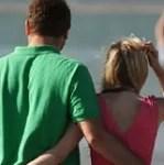 couple_beach_thumb_0