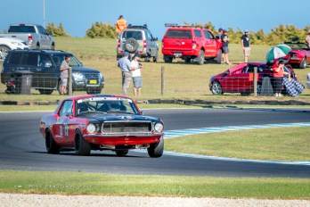 Classic_Car_Race_Phillip_Island_01