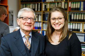 Prof. Dr. Brocke und Ramona Fels, stellv. Vorstandsvorsitzende der Johannes-Rau-Forschungsgemeinschaft