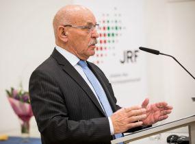 Der erste Bürgermeister Rudolf Jelinek überbrachte die Glückwünsche der Stadt Essen