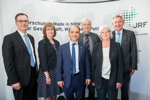 V.l.n.r.: Prof. Dr. Dieter Bathen, Susanne Schneider-Salomon, Erkan Kocalar, Dr. Rainer Ambrosy, Dr. Reinhold Achatz