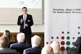 Prof. Dr. Dieter Bathen (Vorstandsvorsitzender der JRF)