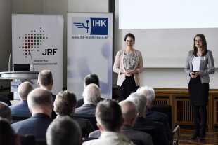 Susanne Hoss (IHK); Ramona Fels (JRF)