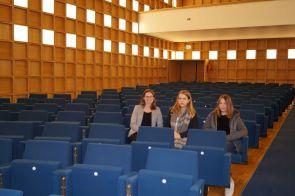 Besuch des Kongresssaales der Nordrhein-Westfälischen Akademie der Künste und der Wissenschaften.