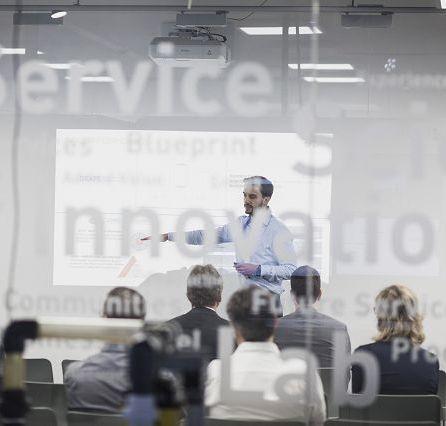 Spannende Vorträge hochkarätiger Referenten aus Industrie, Handel und Forschung [© mika-photography.com]