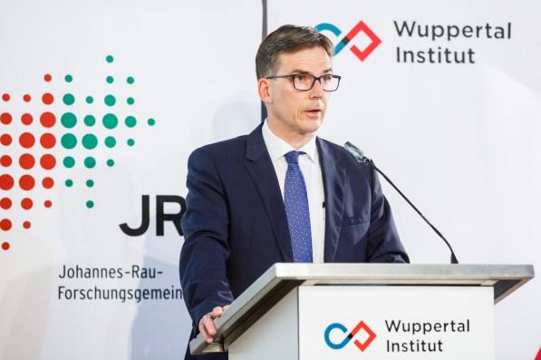 Prof. Dr. Dieter Bathen, Vorstandsvorsitzender der Johannes-Rau-Forschungsgemeinschaft