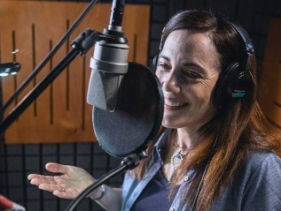 """How a Professional Voiceover Actress Grew Her Passion Into a Full-Time Microbusiness,"" Inc.com/The UPS Store"