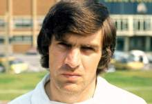 Peter Lorimer: Leeds United's yarn goalscorer 'fighting a long-interval of time sickness' in a hospice