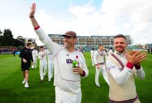 Leach redemption secures Somerset survival