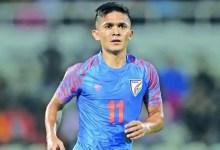भारत के फुटबॉल कप्तान सुनील छेत्री ने कोविद -19 के लिए सकारात्मक परीक्षण किया