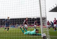 Twitter reacts to eventful blueprint between Burnley and Arsenal