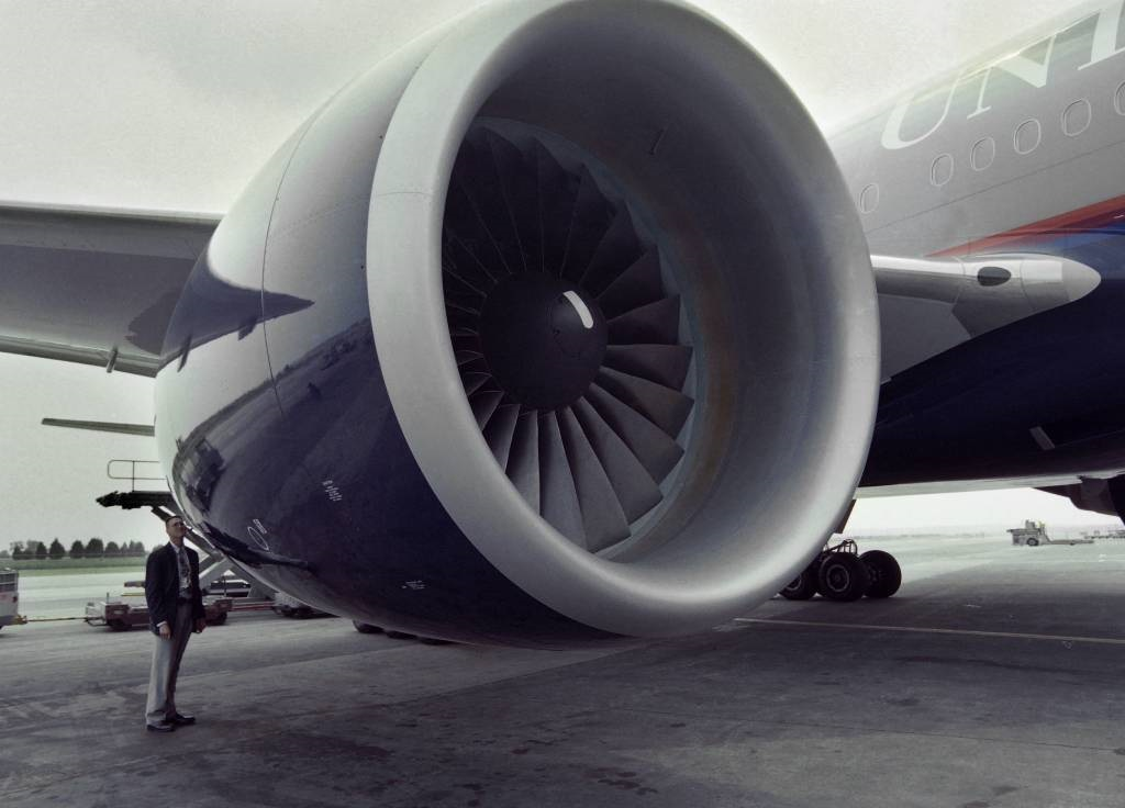 News24.com | US orders deeper inspections of some plane engines