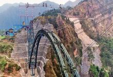 दुनिया के सबसे ऊंचे रेलवे पुल का चाप पूरा: चिनाब नदी पर दुनिया के सबसे ऊंचे रेलवे पुल का आर्क पूरा हो रहा है