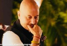 Anupam Kher goes fruit shopping with his 'little friends' on Mumbai streets; WATCH