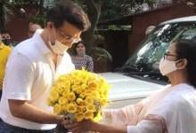 सौरव गांगुली के 49वें जन्मदिन पर मिठाई और गुलदस्ते के साथ उनके घर पहुंची ममता बनर्जी