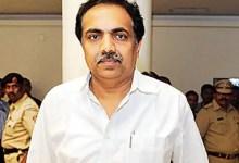 महाराष्ट्र के मंत्री की सांस लेने के लिए:
