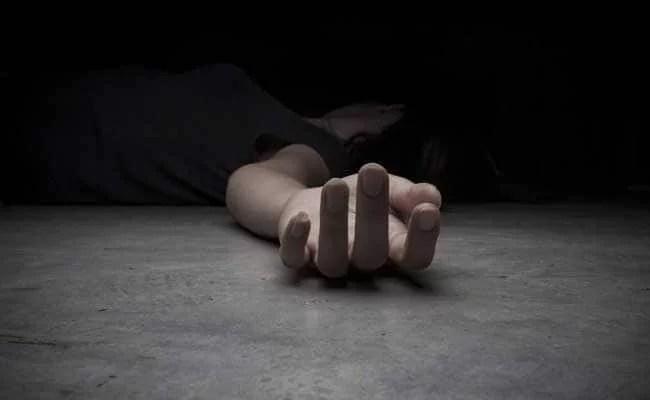 युवक ने पत्नी की हत्या कर शव झाड़ियों में फेंका, दिल्ली के कालिंदी कुंज थाने में पहुंचकर कबूला जुर्म..
