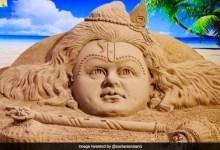 Krishna Janmashtami 2021 : अपने दोस्तों और रिश्तेदारों को दें कृष्ण जन्मोत्सव की शुभकामनाएं, वॉट्सऐप और एसएमएस के जरिए भेजें ये संदेश
