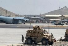 इस्लामिक स्टेट ने काबुल हवाई अड्डे पर रॉकेट हमले की जिम्मेदारी ली, क्योंकि अमेरिकी सैनिकों ने पुलआउट की ओर दौड़ लगाई