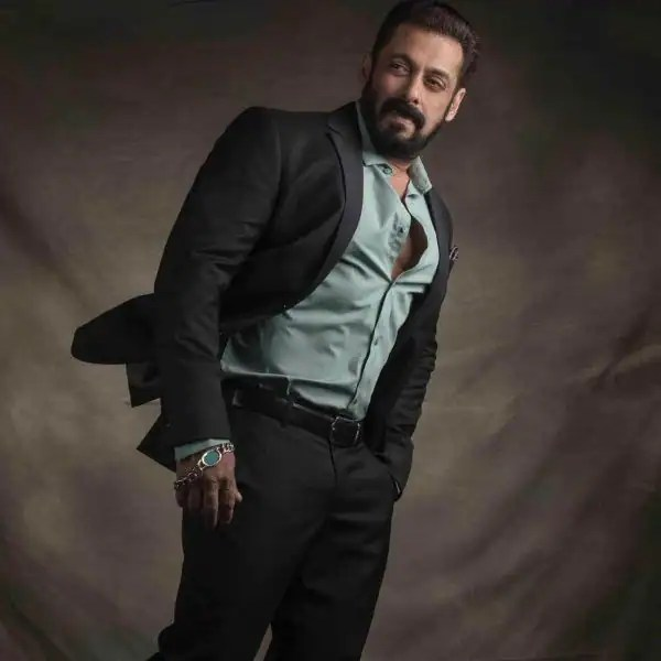 Bigg Boss 15: The mysterious female voice has a special message for Salman Khan; says, 'Waited 15 years for you, now get read for a blast' – watch EXCLUSIVE video