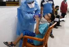 जैसा कि भारत बच्चों के लिए कोवैक्सिन का इंतजार कर रहा है, यहां 18 साल से कम उम्र के लोगों के लिए टीकों की स्थिति की जांच की गई है