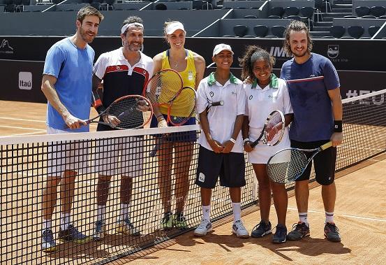 Da esquerda para a direita - Lui Carvalho, Nicola Siri, Bia Haddad, Fernando Alves, Vitória Lopes e Daniel Erthal