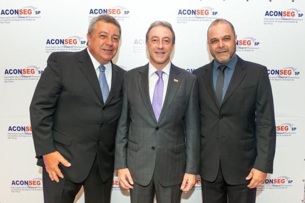 Luiz Philipe Baeta (pres. Aconseg-RJ), Marcos Colantonio (pres. Aconseg-SP) e Jader Abreu (pres. Aconseg-MG) / Divulgação
