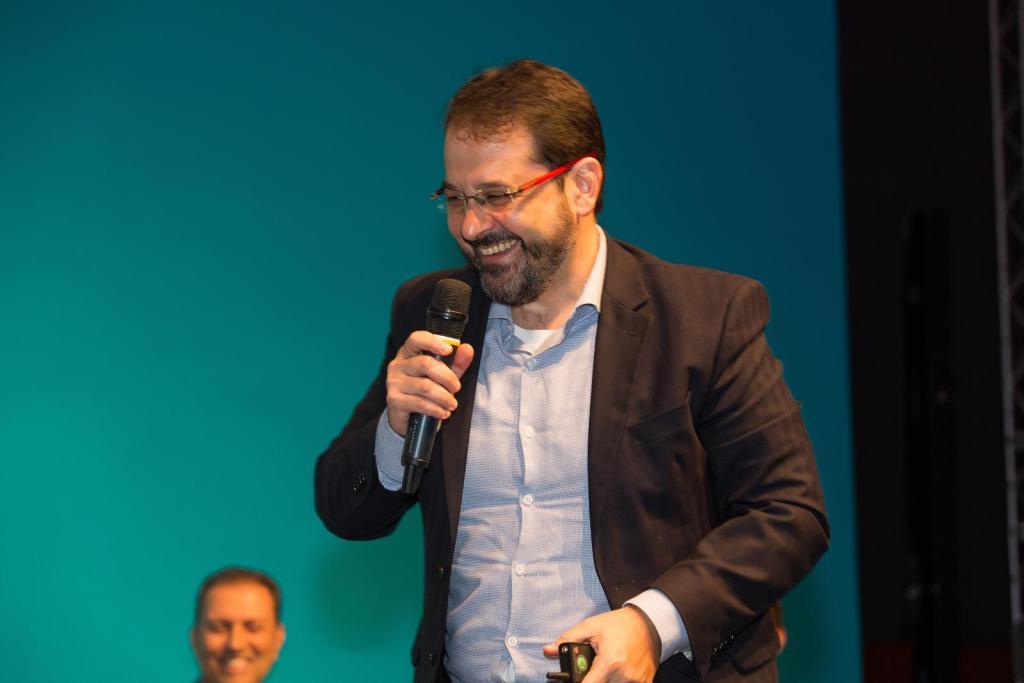 Alexandre Campos é Diretor Executivo RH, Jurídico, Compliance e Responsabilidade Social da AXA no Brasil / Divulgação