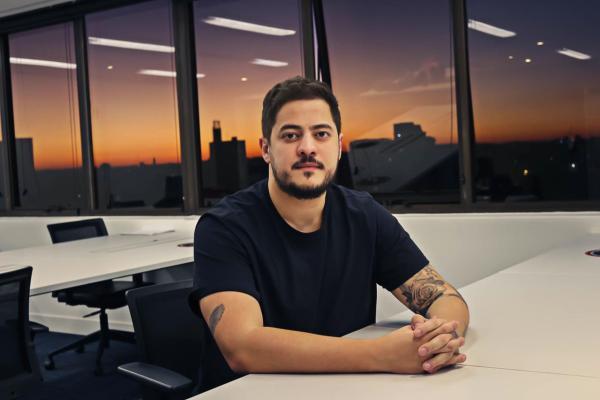 Felipe Hotz é CEO e fundador da Comunica.in / Divulgação