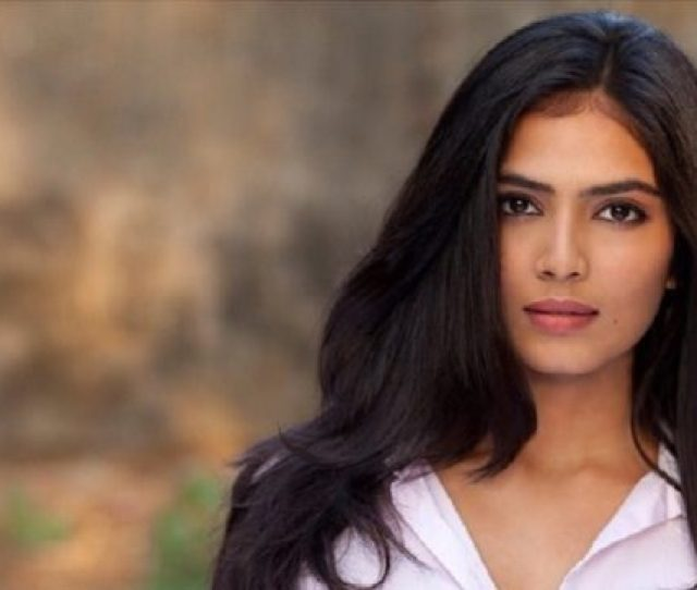 The Very Alluring Actress Malavika Mohanan Was Born In Kannur District Of Kerela And Was Grown Up In Mumbai Malavika Mohanan Is Also A Famous South Indian