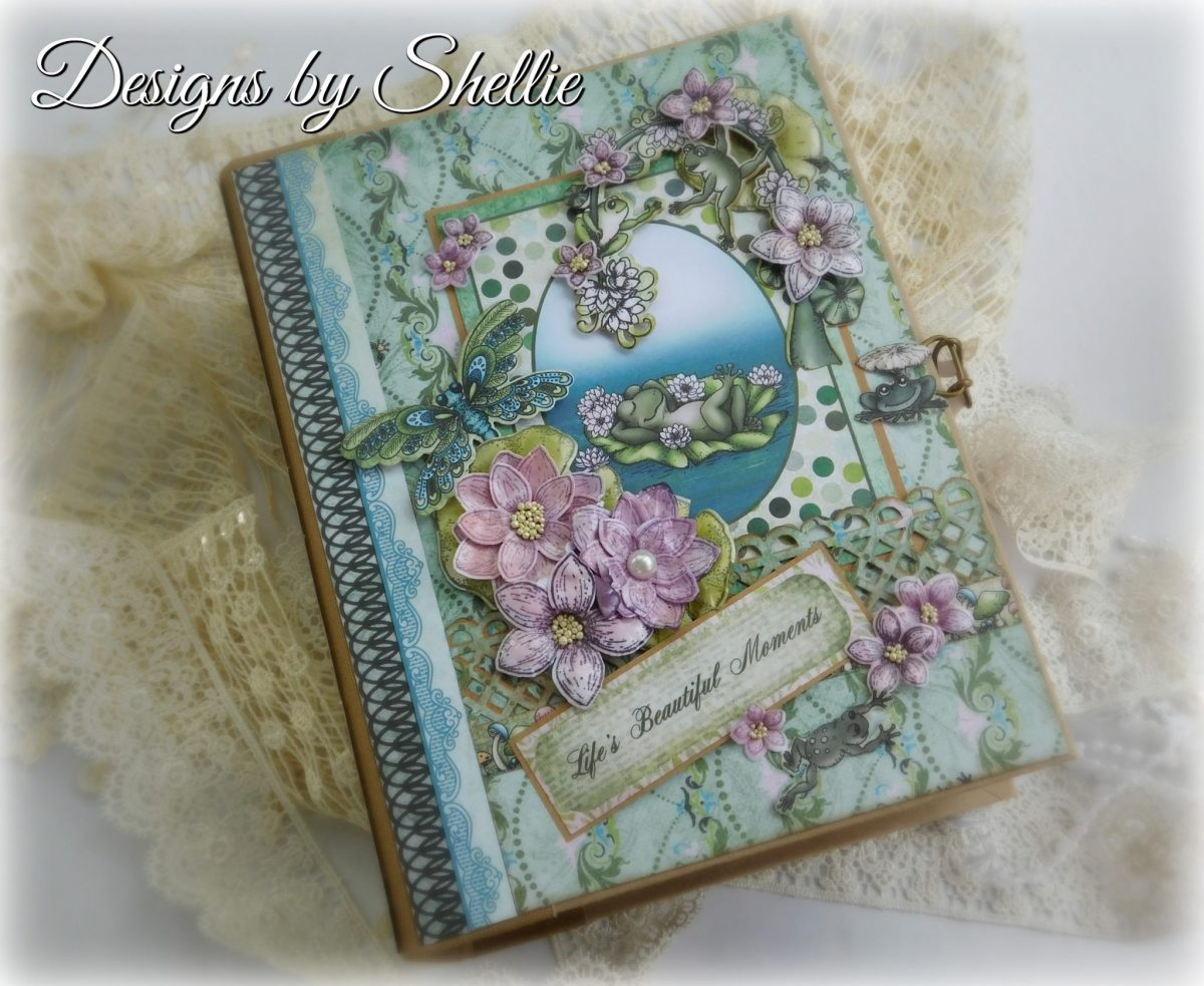 Heartfelt Creations Winking Frog Mini Album