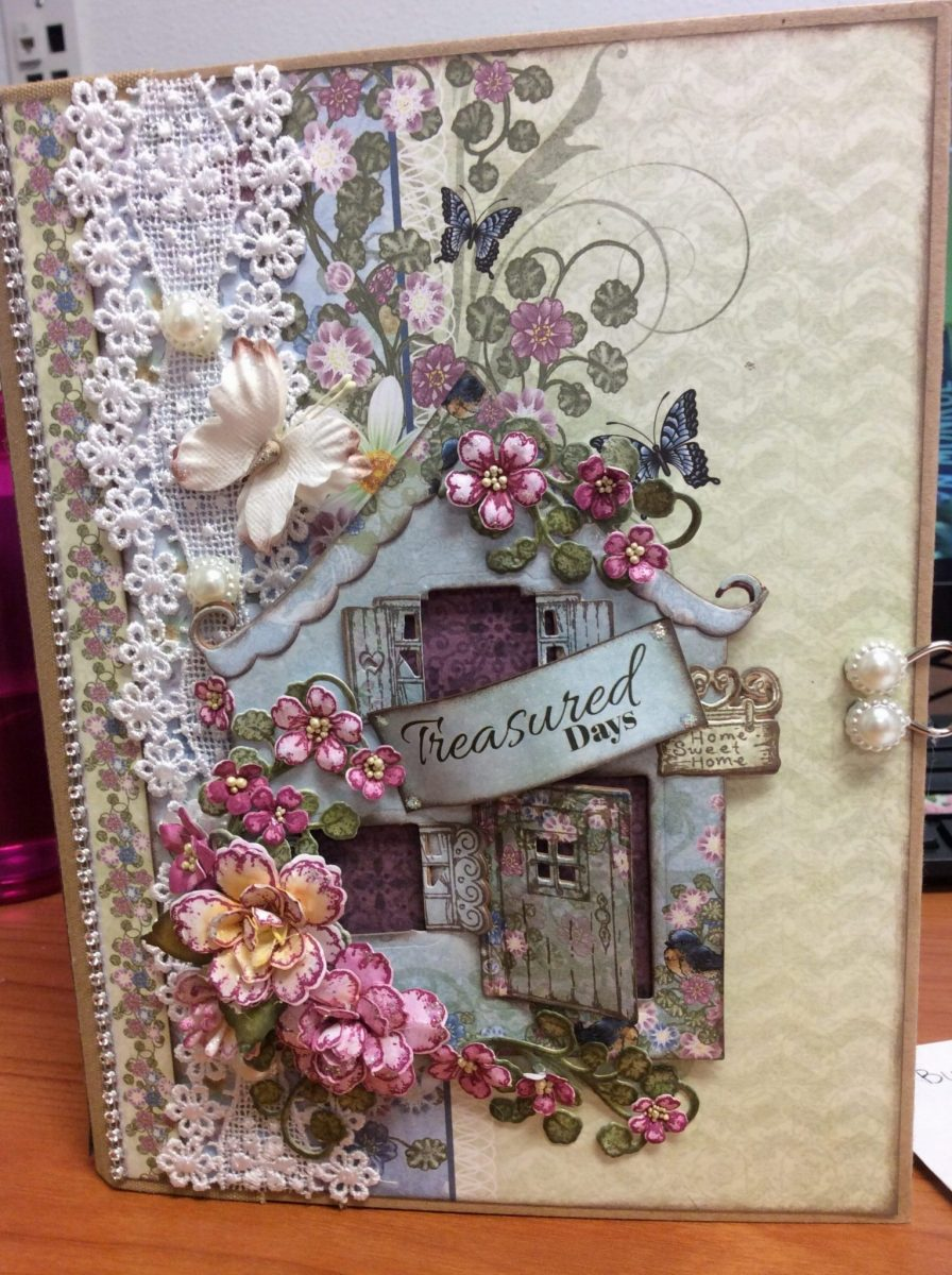 Heartfelt Creations Wildwood Cottage Mini Album Tutorial